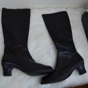 Born Leather high heeled black boots side zipper